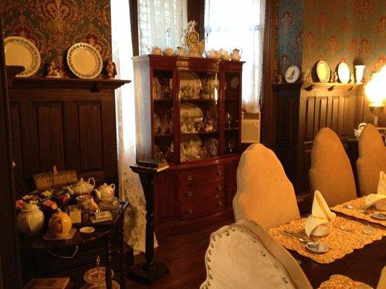 John Wesley Inn : Left side of the Dining Room