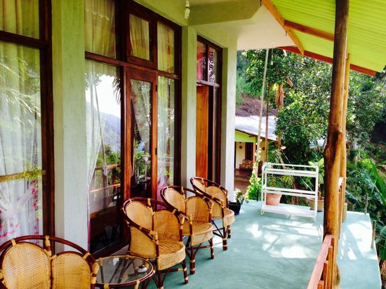 Raveena Guest House: Balcony of bedroom