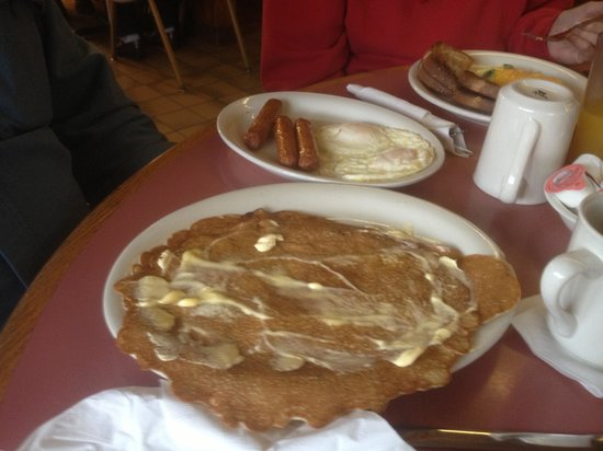 Morning Glory Of Door County: Pancakes - large but just ok