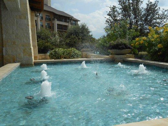 JW Marriott San Antonio Hill Country Resort & Spa : Fountain