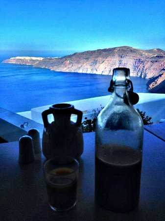 Rocabella Santorini Resort & Spa: Our breakfast view