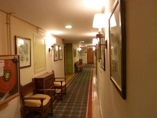 Parador de Fuente De : Hallway