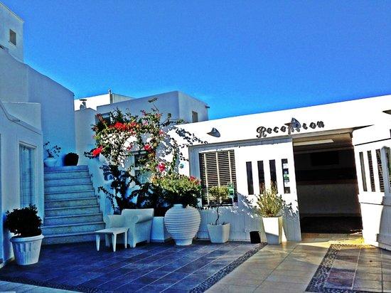 Rocabella Santorini Resort & Spa: The Front Office