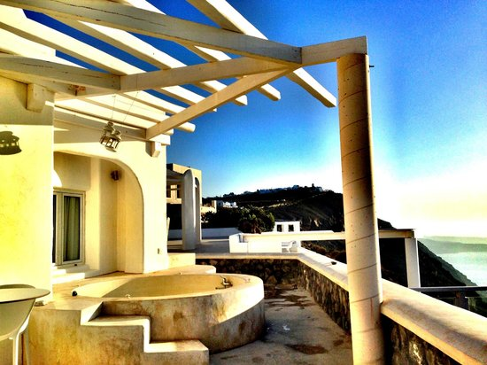 Rocabella Santorini Resort & Spa: Our terrace