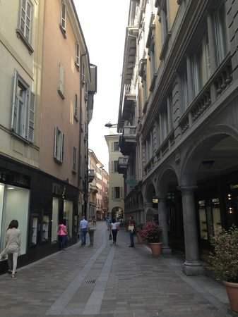 Lugano Dante Center Swiss Quality Hotel : down the street