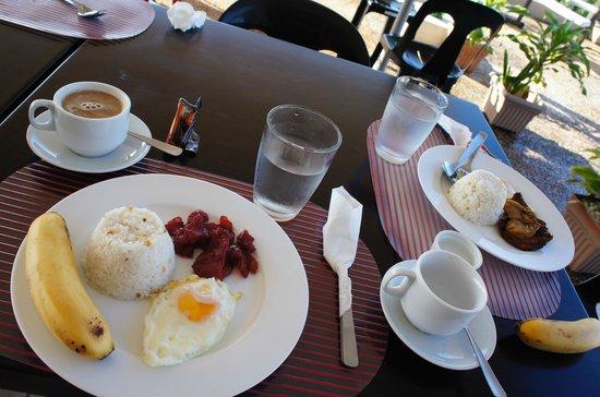 Micasa Lodge: 朝食