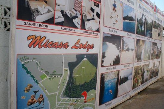 Micasa Lodge: 入り口の看板