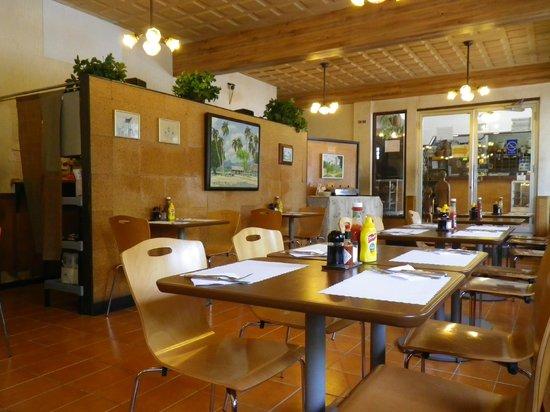 Joy Hotel Restaurant : restaurant