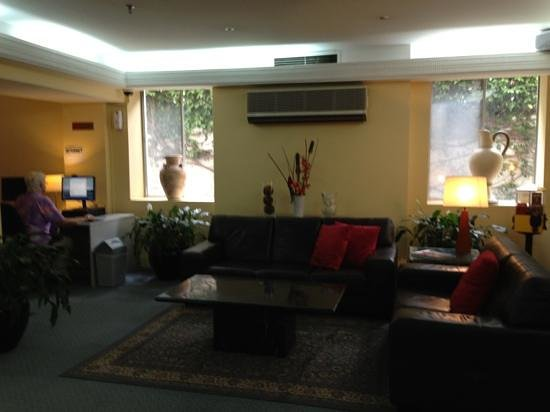 DeVere Hotel: hotel lobby with air-con for display purpose.( switch-off all day)
