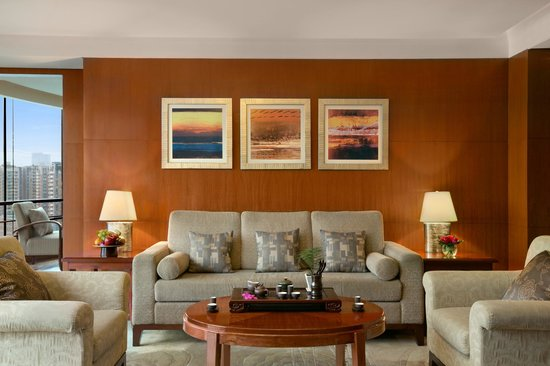 Kempinski Hotel Chengdu: Living room of Deluxe Suite