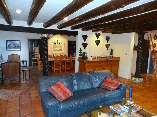 Palacio de Marquesa: lobby and kitchen area in back