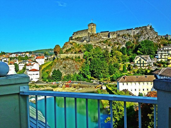 Hotel La Solitude: Lourdes castle