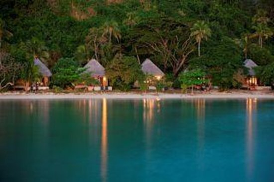 Likuliku Lagoon Resort: Bures on the beach