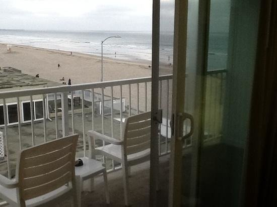 Surfer Beach Hotel : View from room 414