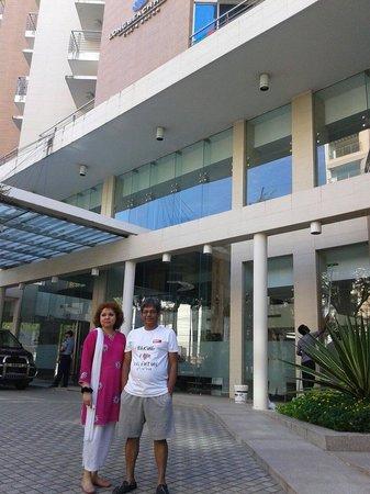 Long Beach Hotel: The front of Longbeach Hotel,  Cox's Bazar