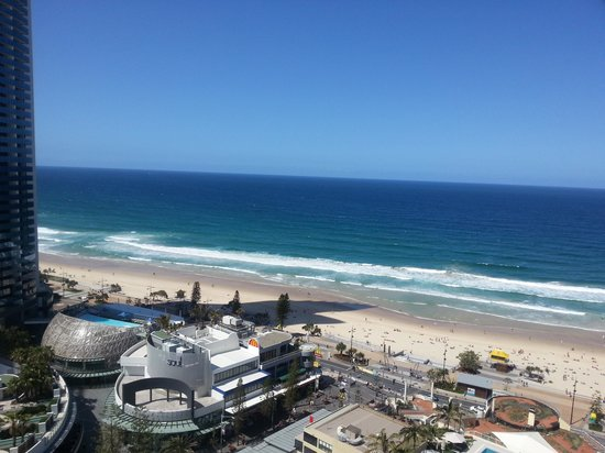 Paradise Centre Apartments: view of beach