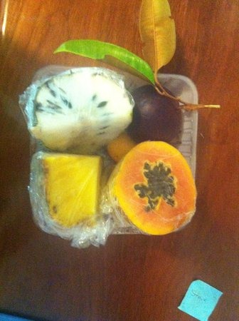 Cape Trib Farmstay B&B: Fruit Basket
