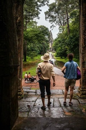 Cambodia Tour Services Private Tours : Here we go