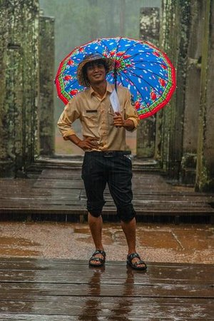Cambodia Tour Services Private Tours : Raining? What seems to be the problem