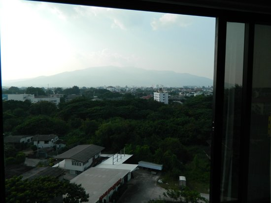 Lanna Palace 2004 Hotel: view of the moutain