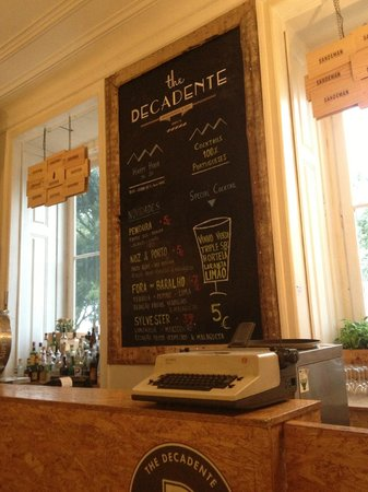 The Independente Hostel & Suites: Le bar