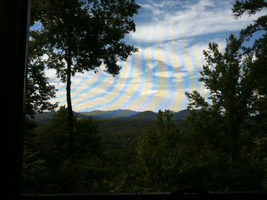 Above the Rest Cabins : Blue Ridge mountains