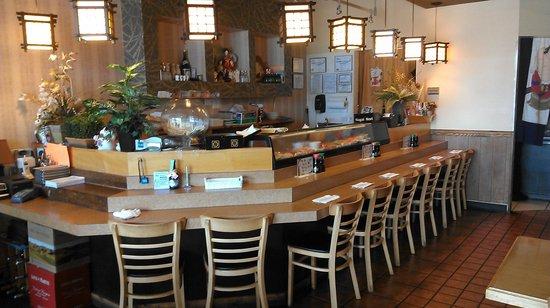 Hayashi Japanese Restaurant: Sushi bar and dining room