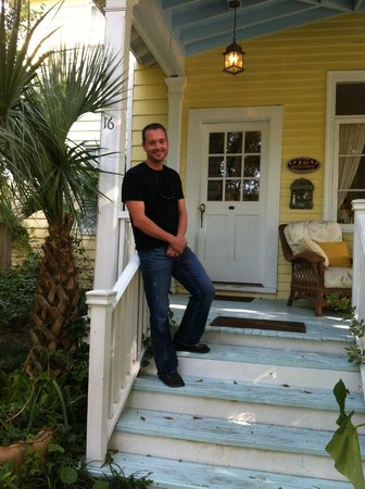 Lighthouse Inn: Charming Entryway to Porch