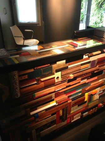 Hotel Jules & Jim : Reception Desk