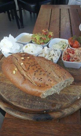 Bazel Bar & Restaurant : Breakfast