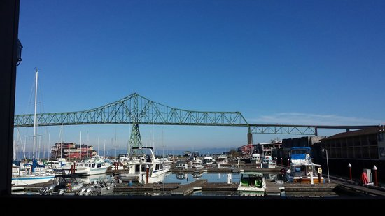 Astoria Riverwalk Inn: This is from our private balcony