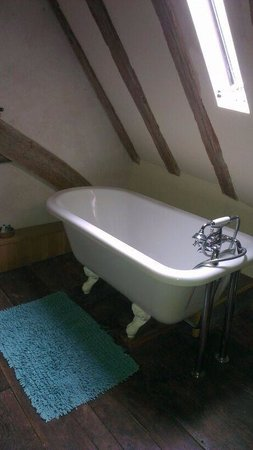 The Bakehouse : The attic room lovely free standing bath