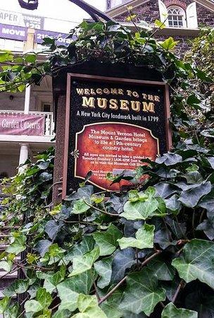 Mount Vernon Hotel Museum & Garden: Mount Vernon Hotel Museum