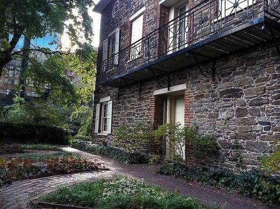 Mount Vernon Hotel Museum & Garden: The House