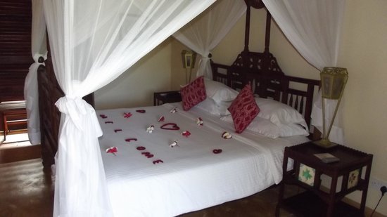 Neptune Pwani Beach Resort & Spa: Chambre