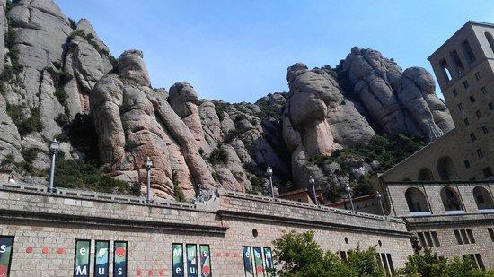 """Hotel Don Angel: """"Мумия"""", """"Хобот Слона"""", """"Часовой"""" - причудливые каменные фигуры, созданные природой"""