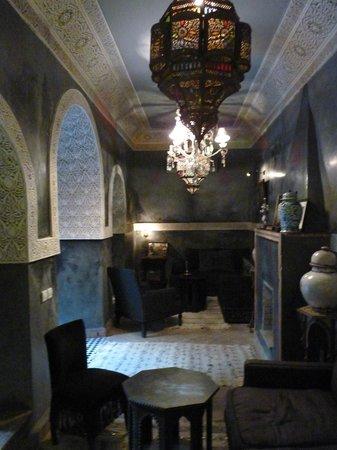 Riad Khol : salon au rez de chaussée