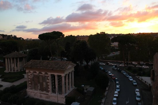 Fortyseven Hotel Rome : View of sunset from our balcony