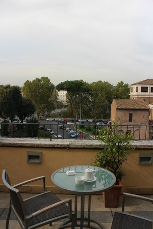 Fortyseven Hotel Rome : Our balcony