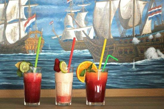 Flying Dutchman: Freshly squeezed juices