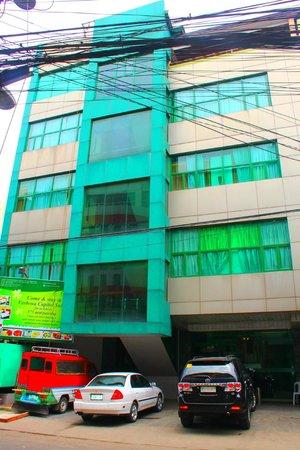 Buena Vida Suites Capitol: Hotel Exterior