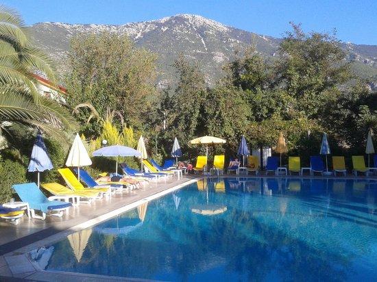 Yakamoz garden picture of yakamoz hotel oludeniz for Koi pool thornton cleveleys