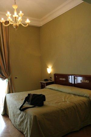 Eurostars Hotel Excelsior : Our bedroom
