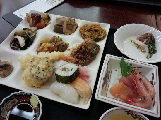 Kimpaso : 夕食バイキング
