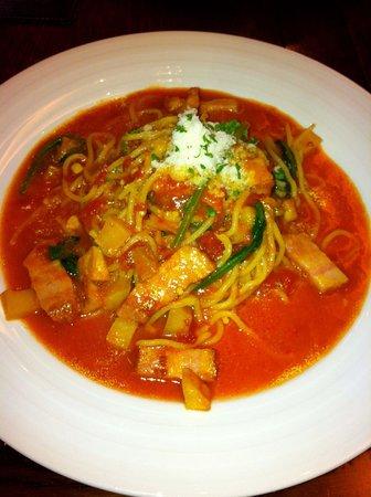 Cucina Caldo: Tasty homemade fresh tomato pasta