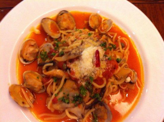Cucina Caldo: トマトとアサリの生パスタ