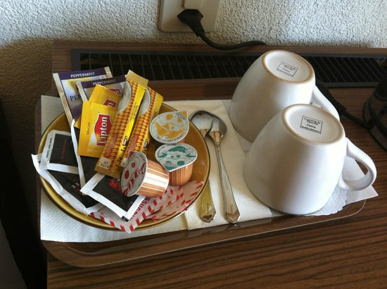 Neuhaus Golf and Strand Hotel: Coffee served in room.