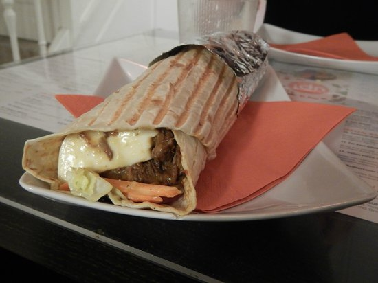 UP! Grade Your Food: Large wrap beef curry