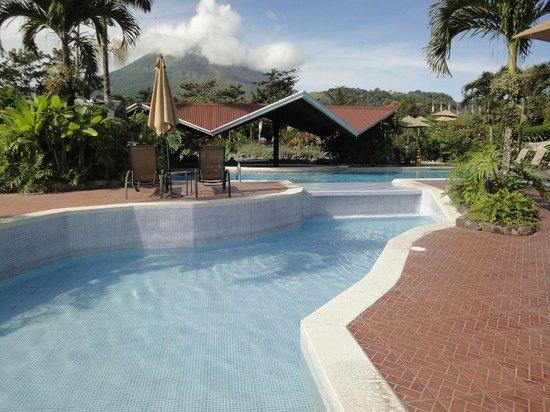 Arenal Springs Resort and Spa: Bar piscine
