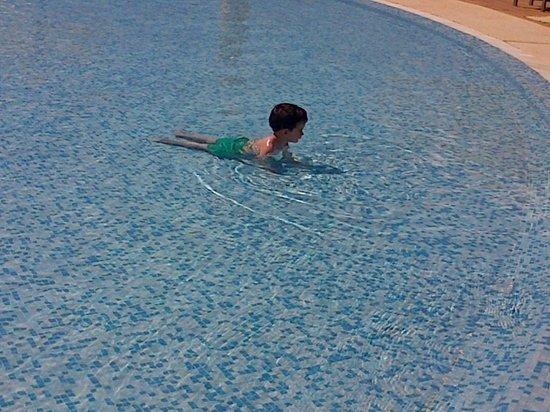 IBEROSTAR Saidia: Mi peque difrutando en la piscina